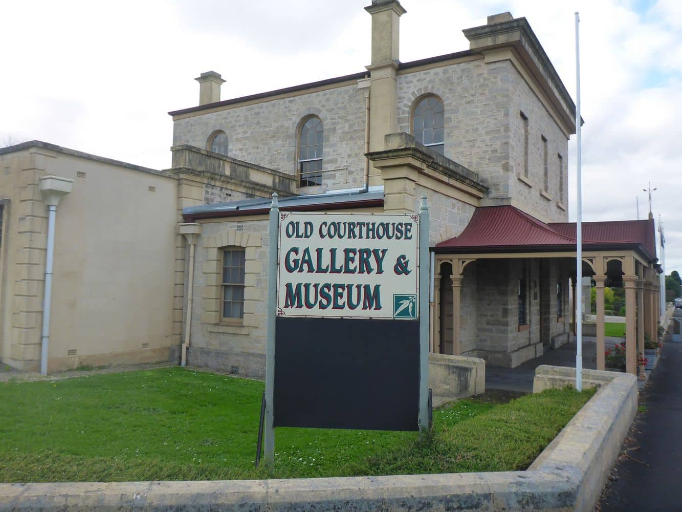 The Old Courthouse & Gallery 01