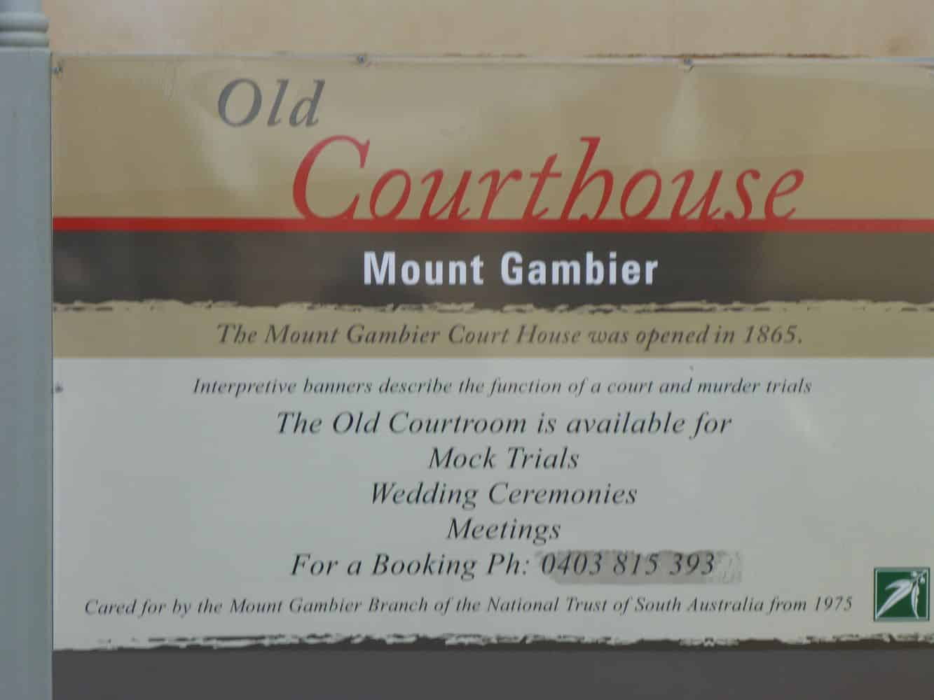 The Old Courthouse & Gallery 02