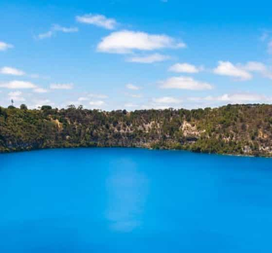 mount gambier lakes volcano craters walking trails south australia