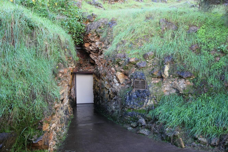 Tantanoola Caves 02